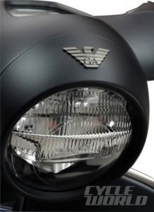 Vespa-946-Emporio-Armani-Close-up-429x590