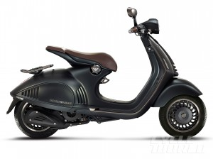 Vespa-946-Emporio-Armani-right-side2